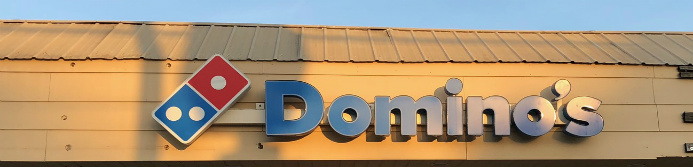 domino's pizza store sign
